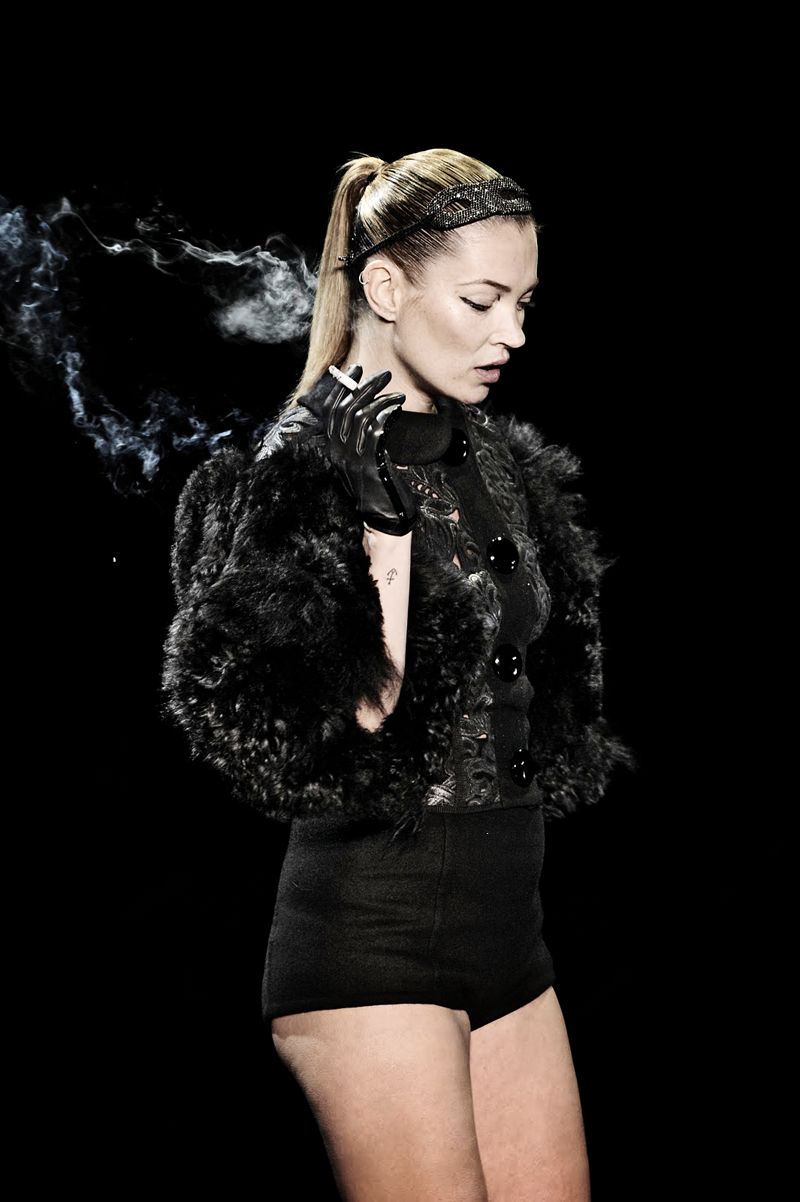 kate moss, smoking on runway, Louis Vuitton FW 2011