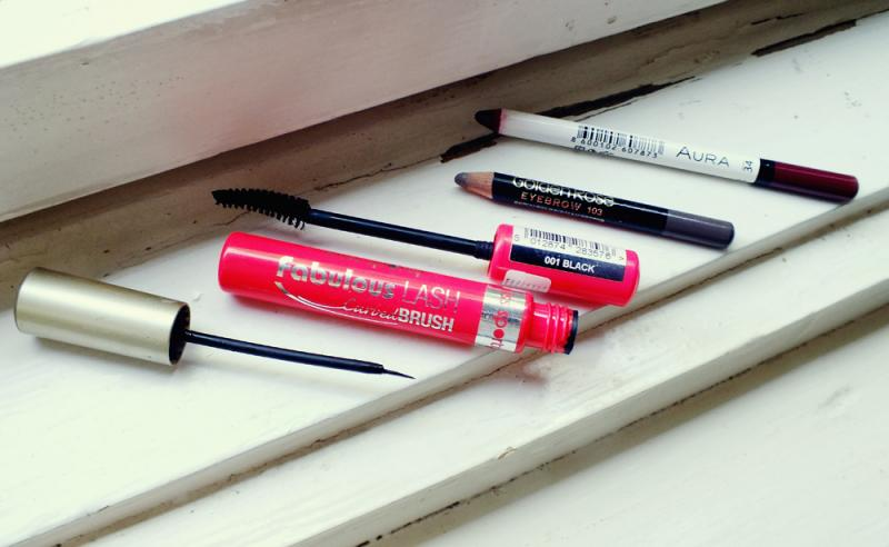 makeup essentials, miss sporty mascara