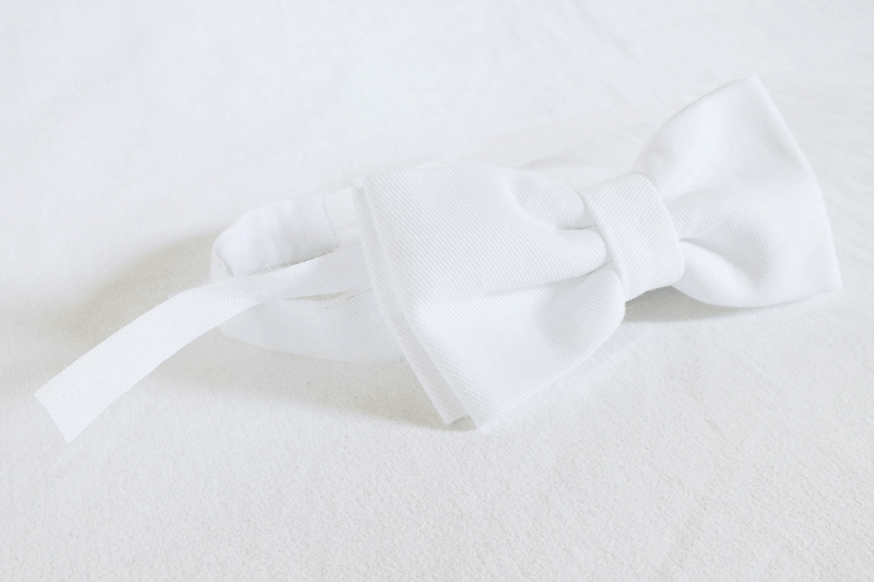 white bow tie, minimal style fashion, minimal fashion blog