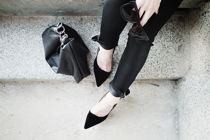 triangle bag, moiminnie, milica obradovic, minimal fashion, minimal style, have2have shoes