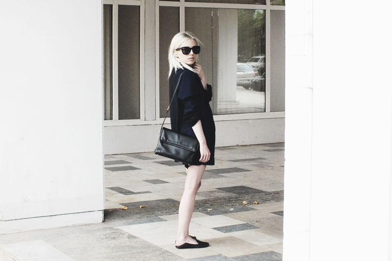 oversized blazer, black and navy, moiminnie, milica obradovic, minimal style