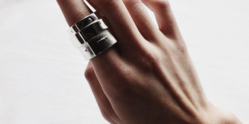 diy rings, moiminnie, milica obradovic, minimal jewelry, hardware ring, lipstick tube ring
