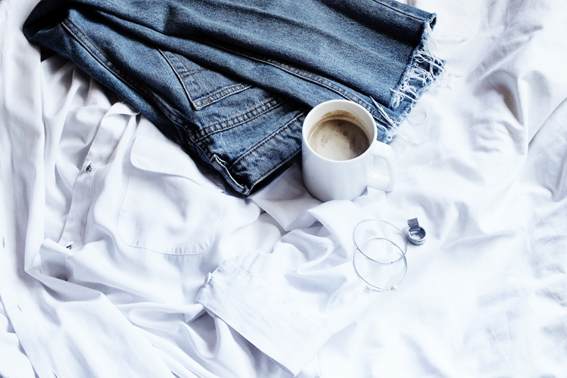 vintage denim, wearing denim jeans, raw hem denim, minimal style fashion, moiminnie, milica obradovic, minimal flatlay